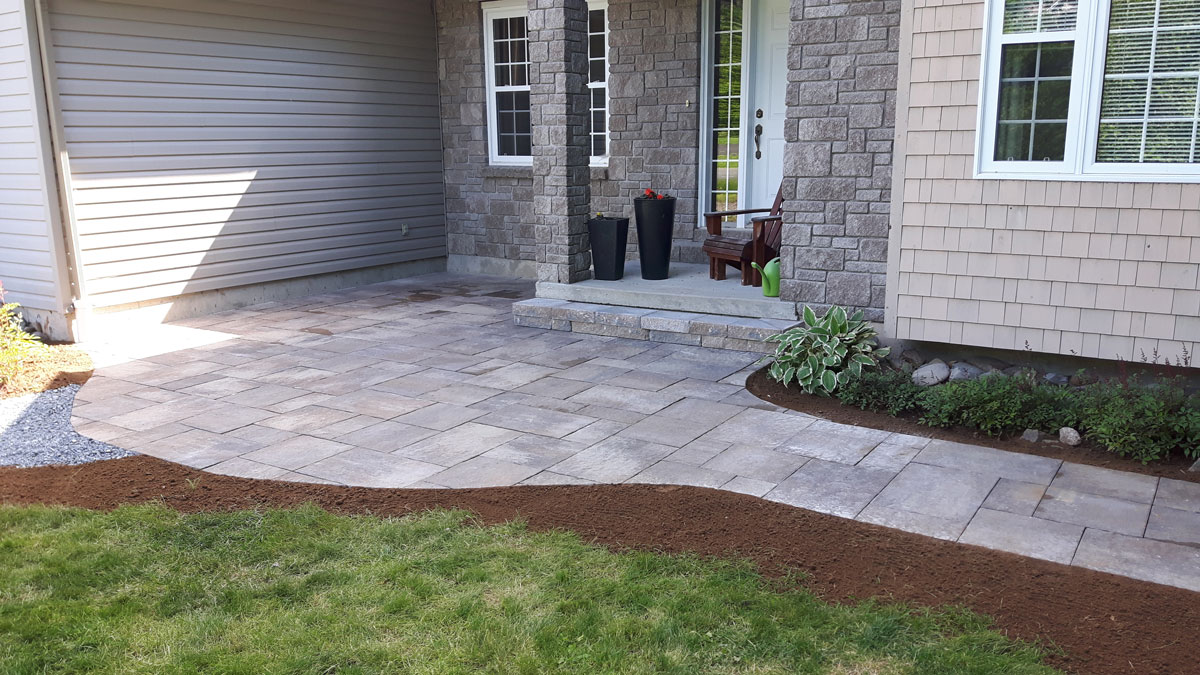 Yards Apart landscaping of Pepper Creek, Fredericton: photo 1